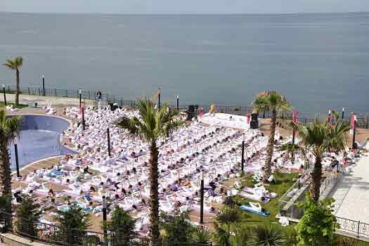 |  || Uluslararası İzmir Yoga Şöleni'nde  Keşfet Kendini!