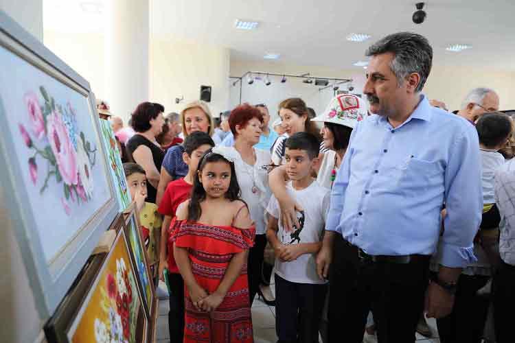 GEZİ & KÜLTÜR SANAT | KÜLTÜR SANAT || Bayraklı'da Kursiyerlerden Resim Sergisi