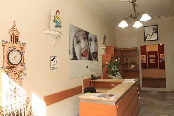 DOSYA & HABER | HABER || İzmir Neşe Ve Karikatür Müzesi