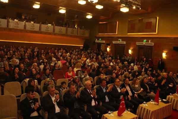 |  || Bayındır Belediyesi Türk Müziği Korosu'ndan Muhteşem Konser