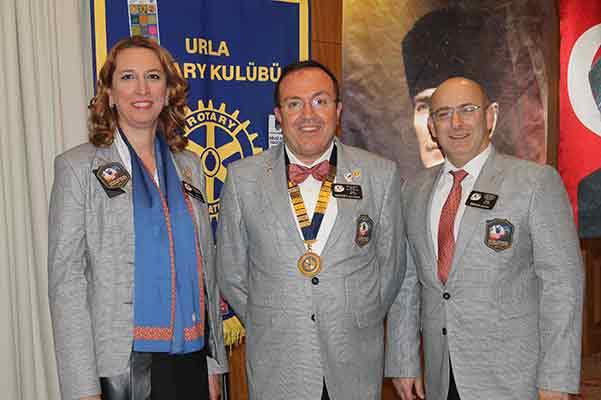 Urla Rotary Kulübü'nden Yarım Asırlık Usta'ya Meslek Hizmet Ödülü | MAGAZİN & ASTROLOJİ