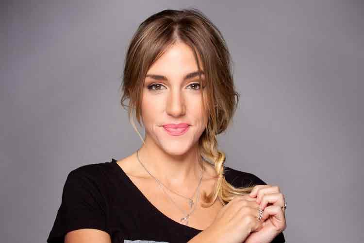 "|  || Ariadna Castellanos:  ""Müzik Hep Benimle"""