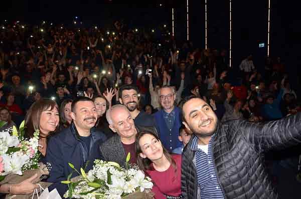 |  || 'Görevimiz Tatil'in Galası MaviBahçe'de Gerçekleşti