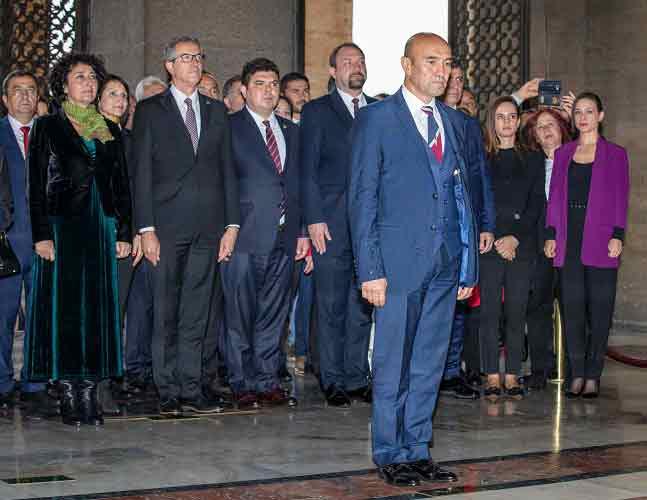 Başkan Tunç Soyer ve İzmir'in İlçe Belediye Başkanları Anıtkabir'i Ziyaret Etti | DOSYA & HABER