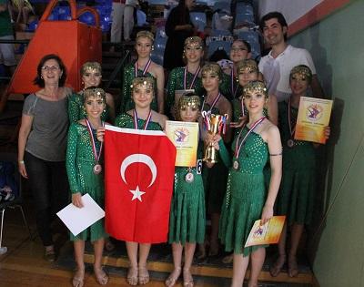 Ege Life | Türk Kızlarının Büyük Başarısı