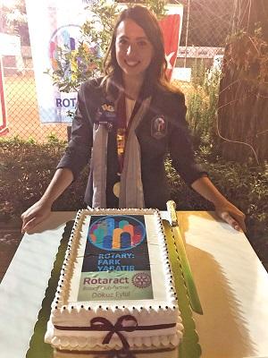 Ege Life   Dokuz Eylül Rotaract'ta Begüm Özsoy İle Yeni Dönem Başladı