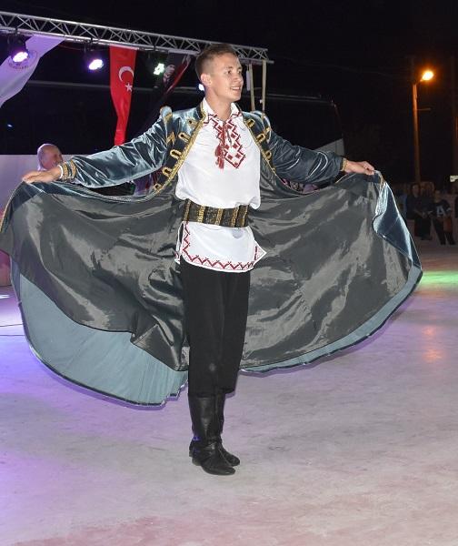 Ege Life   Dünya Halk Dansları Dikili'de Görücüye Çıktı