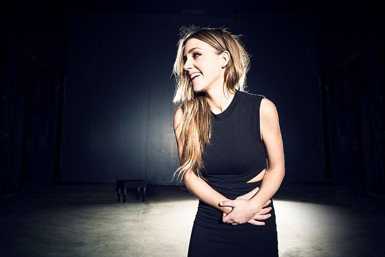 "Ege Life | Ariadna Castellanos:  ""Müzik Hep Benimle"""