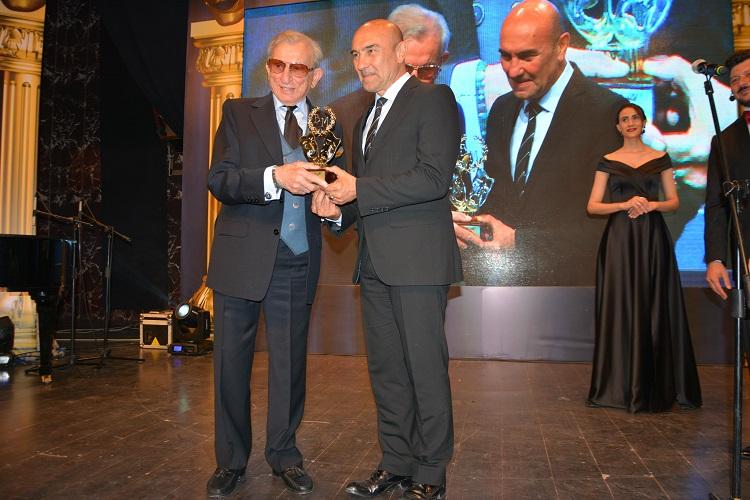 Ege Life | 10. Bedia Muvahhit Tiyatro Ödülleri Sahiplerini Buldu