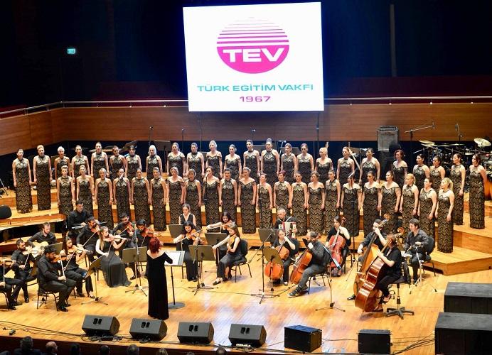 Ege Life | Selami Şahin ve TEV Eğitime Destek Korosu İzmirlilerle Buluştu