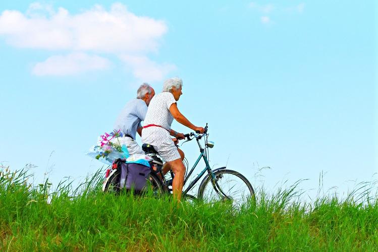 Ege Life | Yaşlandığımız İçin Egzersiz Yapmayı Bırakmıyoruz, Egzersiz Yapmadığımız İçin Yaşlanıyoruz