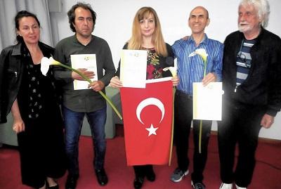 |  || Ressam Zeynep Aslı Köstepen 2019 Sanat Olimpiyatlarından Ülkemize