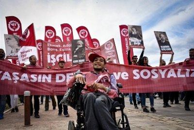 İzmir'de 1 Mayıs Coşkuyla Kutlandı | DOSYA & HABER