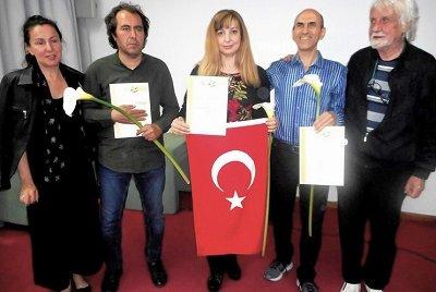 Ressam Zeynep Aslı Köstepen 2019 Sanat Olimpiyatlarından Ülkemize