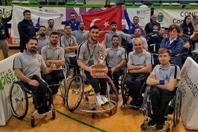 İzmir Büyükşehir Belediyesi, Tekerlekli Sandalye Basketbol Takımı  Avrupa Üçüncüsü Oldu | DOSYA & HABER