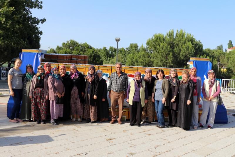 |  || Kozaklı 170 Kadın Bal Üreticisi Oldu