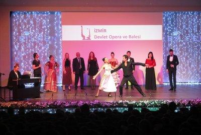 Bilfen Öğrencileri İzmir Devlet Opera ve Balesi Sanatçıları ile Bir Arada   GEZİ & KÜLTÜR SANAT