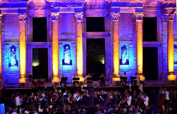 GEZİ & KÜLTÜR SANAT | KÜLTÜR SANAT || Celsus'da İlklerin Gecesi