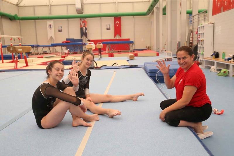 |  || Jimnastikte Milli Gurur