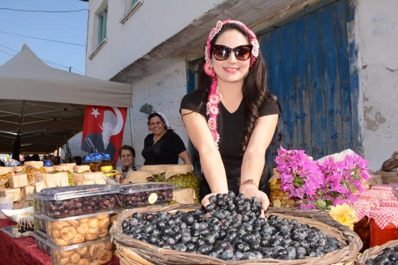 GEZİ & KÜLTÜR SANAT |  || Torbalı Zeytinini Festival'le Tanıttı