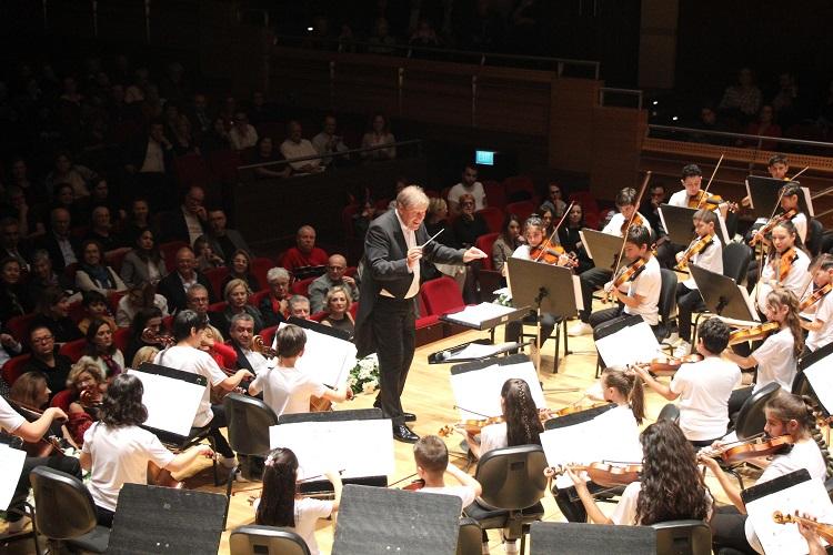 GEZİ & KÜLTÜR SANAT |  || Yorglass Barış Çocuk Senfoni Orkestrası Büyüledi